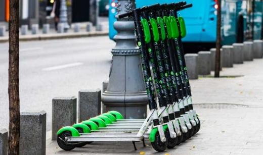 Ce prevede regulamentul pentru trotinetele elctrice din Cluj? Amenzi pentru utilizatori, dar și pentru operatori