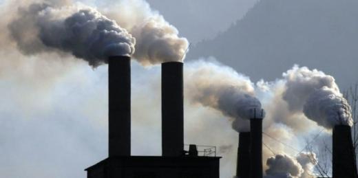 Clujenii care au locuit mult timp în zone poluate pot ieși mai repede la pensie