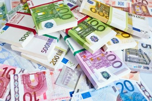 CURS VALUTAR: Euro pregătește trecerea spre 4,87 lei