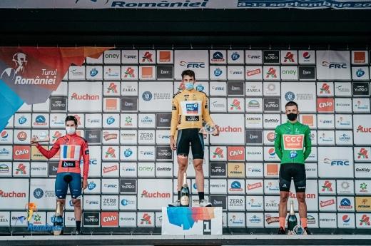 Germanul Justin Wofl de la Bike Aid a îmbrăcat primul tricou galben din Turul României