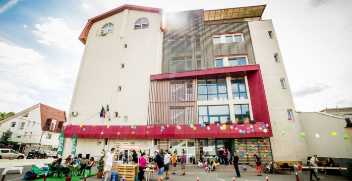 Altă facultate din cadrul UBB își menține porțile închise în primul semestru