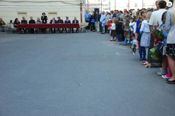 """Început de an școlar fără festivități, la Cluj. Boc: """"Fără popi, fără politicieni. Intrăm într-o relativă normalitate"""""""
