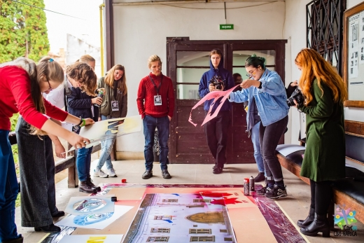 Tinerii din Cluj pot participa la dezvoltarea comunității. Cele mai bune idei vor primi finanțare