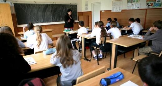 Părinții caută locuri pentru copii în școlile de la țară: Nu este atât de aglomerat ca în oraș