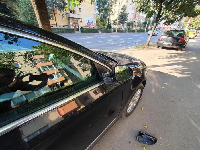 Mașini vandalizate de un bărbat băut în cartierul Gheorgheni