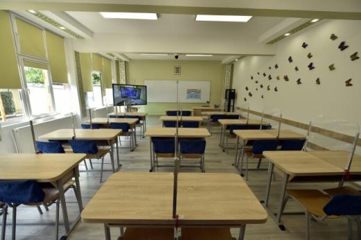 vor-merge-elevii-din-cluj-la-scoala-inainte-de-alegerile-locale