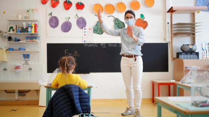 Apelul unui medic către profesori: Aerisiți clasele, că nu ne trage curentul