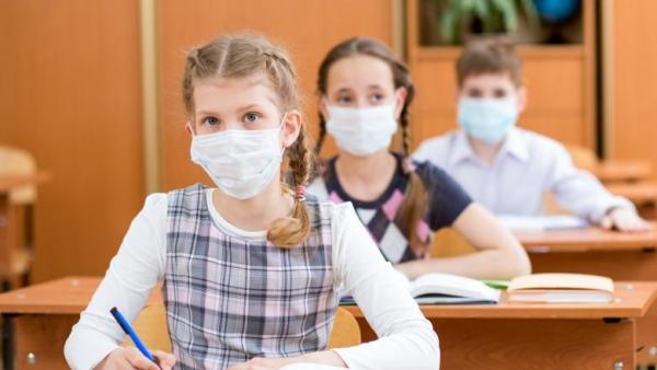 14 școli din Cluj se află astăzi în scenariul roșu