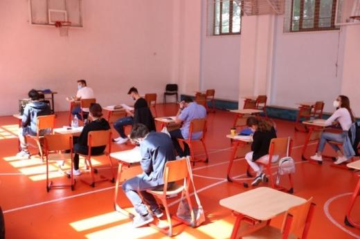 25 de elevi pozitivi de COVID-19 confirmați la Cluj