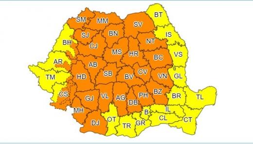 Cluj se află sub COD PORTOCALIU de ploi și furtuni
