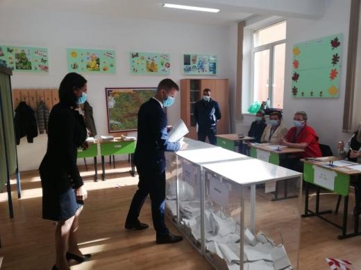 """Alegeri Locale 2020. Bogdan Pivariu, candidatul PNL, a votat """"viitorul Floreștiului"""""""