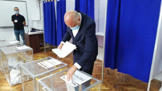 Emanuel Ungureanu, încrezător în șansele lui după ce a votat
