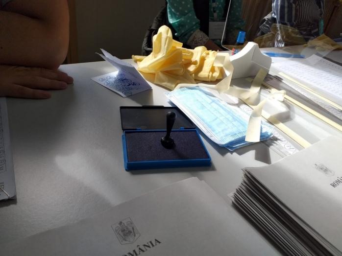INCIDENTE la secțiile de vot din Cluj-Napoca. Au fost deschise două dosare penale
