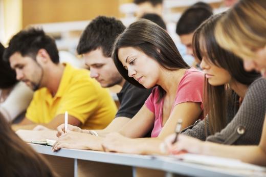 Universitatea pe timp de PANDEMIE- La câte cazuri de COVID-19 se va închide instituția?