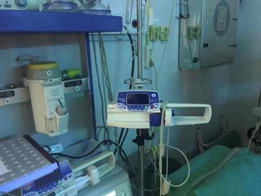 PREMIERĂ în Cluj-Napoca. Tehnică în transplantul de rinichi la ICUTR de la mamă la fiu
