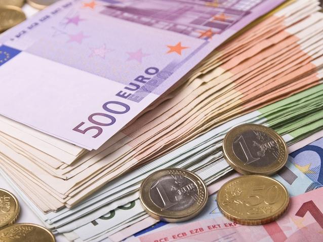 Analiza Valutară. Euro a crescut în septembrie cu trei bani