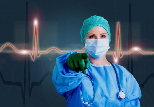 Medicii de la un spital din România au fost atacați de familia unui ăacient decedat din cauza Covid-19