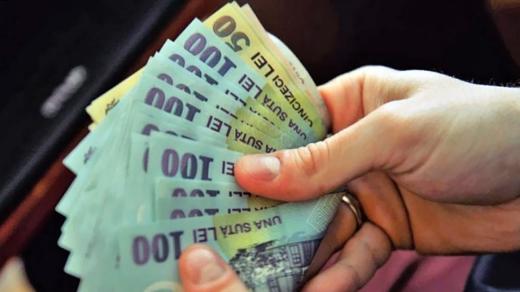 Câți bani câștigă în medie un român? Pe ce cheltuie românii o bună parte din salariu?