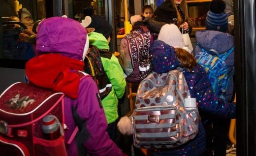 elevii-vor-avea-gratuitate-pe-toate-mijloacele-de-transport-in-comun