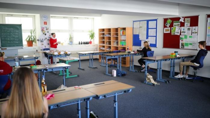 Câți elevi și profesori din Cluj sunt infectați cu COVID-19? Cazurile cresc zilnic
