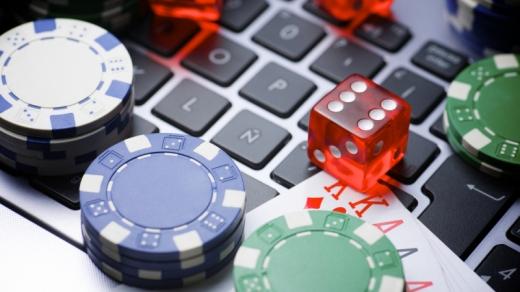 Șefa unui centru social din Cluj a folosit datele personale ale oamenilor străzii pentru a juca la cazino și a obține credite. Ce s-a întâmplat cu ea?
