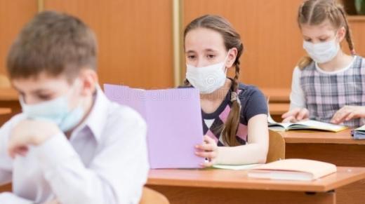 Școlile din Cluj își modifică scenariile din cauza numărului de cazuri de COVID-19