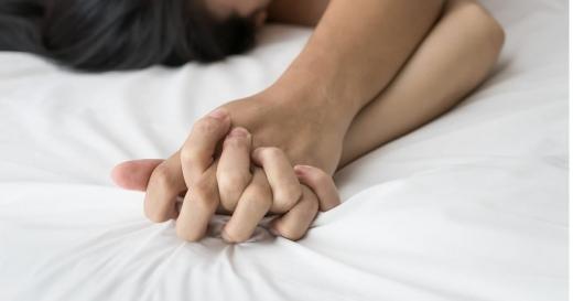5 SECRETE pentru femei. Cum să-l faci să-ți mănânce din palmă?