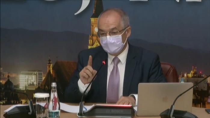 """Dezbaterea pe regulamentul pentru trotinete a încins spiritele. Operatorii cer mai puține reguli/ Boc: """"Nu știu la București ce faceți, dar la Cluj veți avea reglementare"""""""