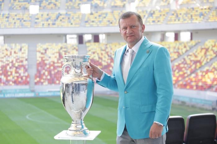 Legenda fotbalului românesc Dorinel Munteanu candidează la Senat din partea PMP Cluj