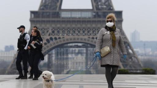 STAREA de URGENȚĂ a revenit în Franța! Restricții de circulație în cele mai mari orașe
