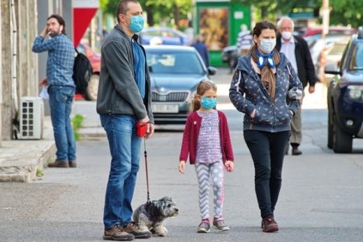 Bucureștiul intră în SCENARIUL ROȘU! Masca devine OBLIGATORIE pe stradă, iar școlile și teatrele se vor închide