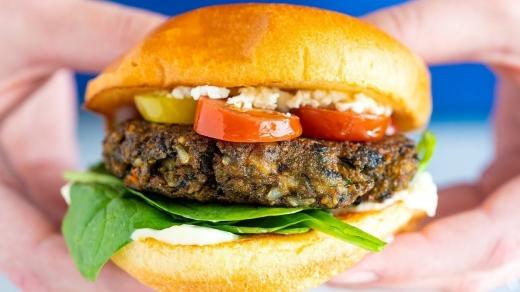 fermierii-cer-interzicerea-burgerului-vegetarian