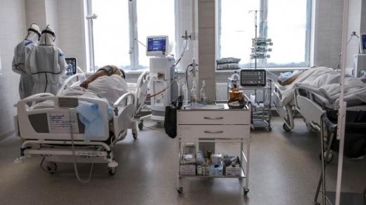 """Mai multe paturi pentru tratarea pacienților COVID, la Cluj. Tătaru: """"Hotărârea va fi luată după evaluarea acestora"""""""