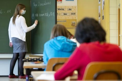Câte cazuri de COVID19 sunt în școlile din Cluj? Situație e mai bună la elevi, dar se înrătățește la profesori