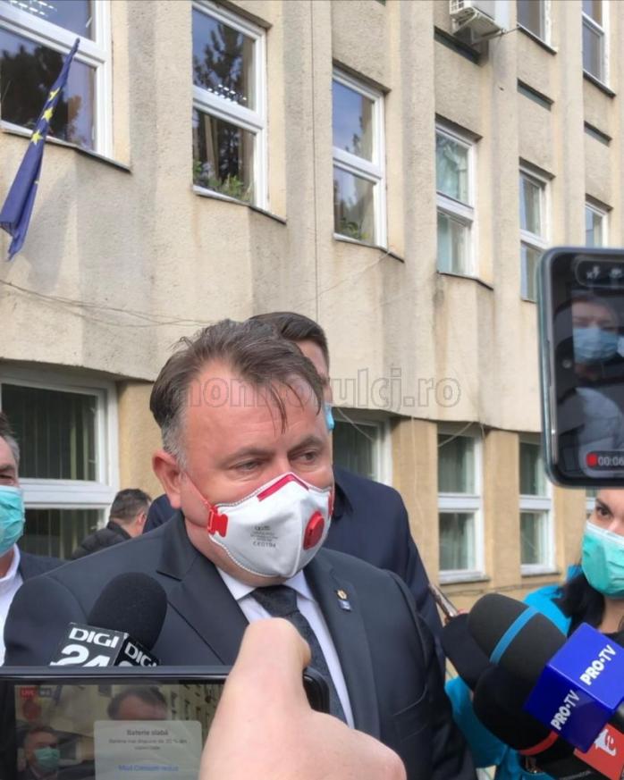 ministrul-sanatatii-vizita-la-scbi-din-cluj-am-avut-o-dicutie-cu-personalul-medical-despre-reevaluarea-la-tot-ce-inseamna-tratament-si-protocole