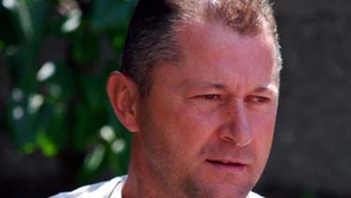 Cristi Vasc, fost jucător în Liga 1, a trimis MESAJE, FlLME ȘI POZE INDECENTE unei eleve de 13 ani. Există suspiciuni că s-ar fi încercat mușamalizarea cazului