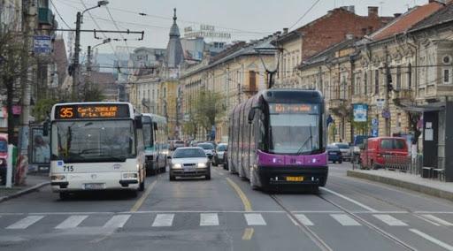 studentii-cer-gratuitate-pe-transportul-in-comun-actele-sunt-pe-drum-intre-universitati-si-ctp