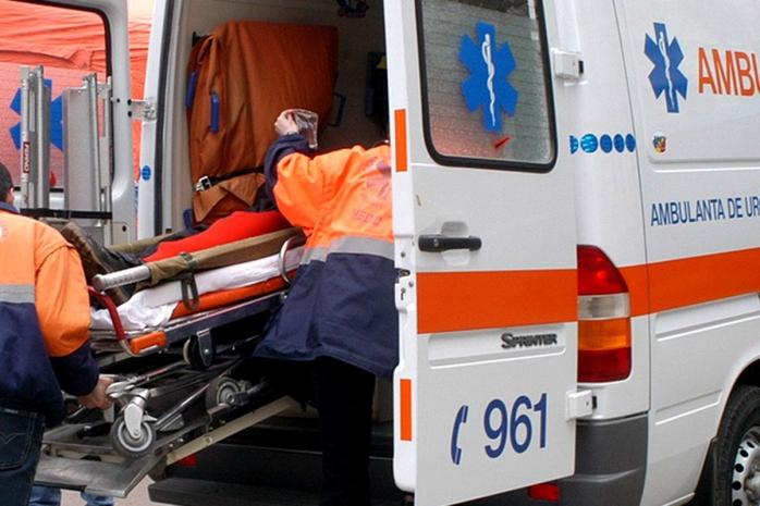 accident-in-luna-o-femeie-a-fost-ranota-grav-dupa-ce-masina-a-iesit-de-pe-partea-carosabila