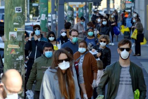 Numărul de infectări cu COVID19 crește dramatic în Europa. Tot mai multe state europene discută despre carantina totală