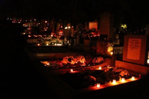 gest-impresionant-voluntarii-scenei-urbane-vor-aprinde-lumanari-si-vor-curata-mormintele-pentru-cei-ce-nu-pot-ajunge-la-cimitir-de-luminatie