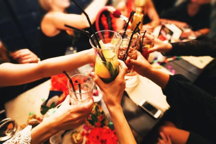 petrecerile-se-tin-lant-pe-timp-de-pandemie-nunti-cu-peste-300-de-oameni-organizate-in-aceasta-perioada