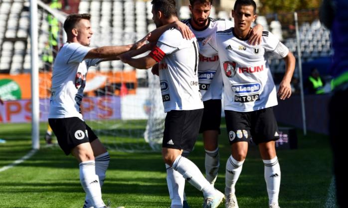 """Cinci fotbaliști de la """"U"""" Cluj au COVID-19 după meciul de la Mioveni"""
