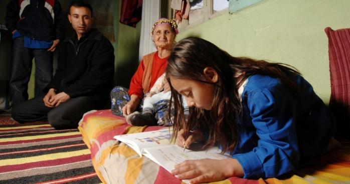 1-din-3-sate-din-romania-nu-au-semnal-pentru-internet-scoala-online-doar-un-vis-frumos-la-tara