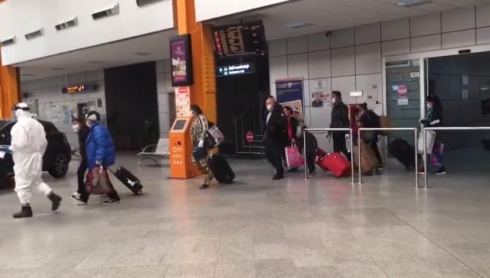 Nelu Tătaru, lămuriri pentru românii care vin în țară de Crăciun. În ce condiții intră în carantină?