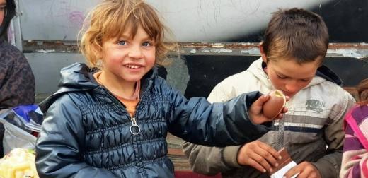asociatia-cert-a-ajutat-o-familie-nevoiasa-din-cluj-acum-cei-6-copii-au-un-acoperis-deasupra-capului-galerie-foto
