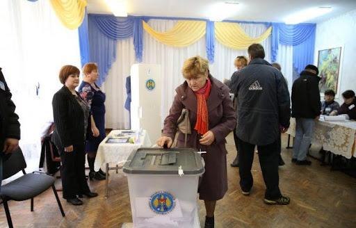 Răsturnare de situație la alegeri prezidențiale din Republica Moldova. Maia Sandu și Igor Dodon intră în turul 2