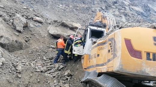 Bărbatul prins sub pietre la Morlaca a fost scos de pompieri. Era decedat când salvatorii au ajuns la el. FOTO/VIDEO