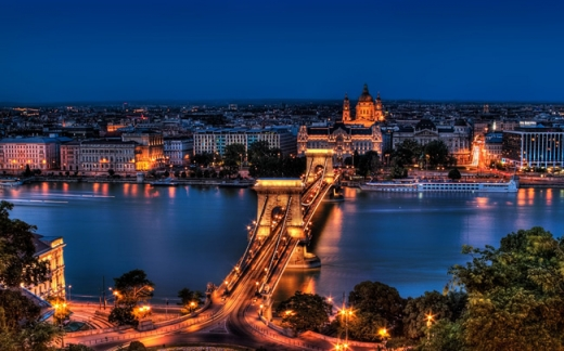 Ungaria introduce noi măsuri:  barurile se închid, carantină de noapte