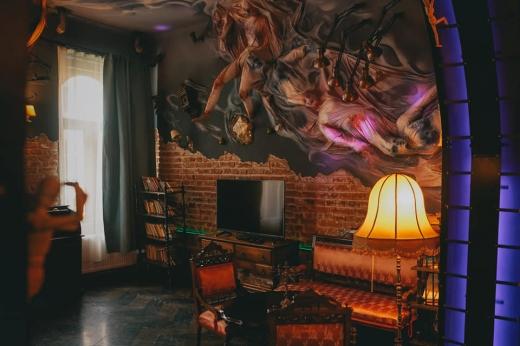 """Cele mai spectaculoase apartamente din Cluj-Napoca. Design-uri unice, de la """"horror"""" la vintage. GALERIE FOTO"""