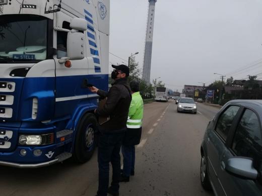 ITM Cluj, controale în trafic, la transportatorii de marfă. Amenzi de 12.000 de lei